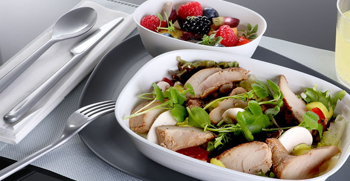 Delta Air Lines Bringing Free Cocktails, Bistro-style Dining, and Hot Towel Service to Economy