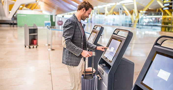 UK Lets Citizens from US & Six Other Countries Use ePassport Gates