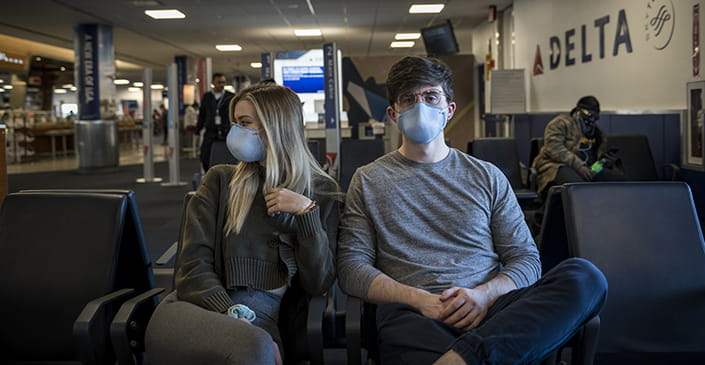 US Airlines Won't Force Passengers To Keep Masks On During Flights